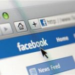Facebook 'preparing for $100bn flotation'